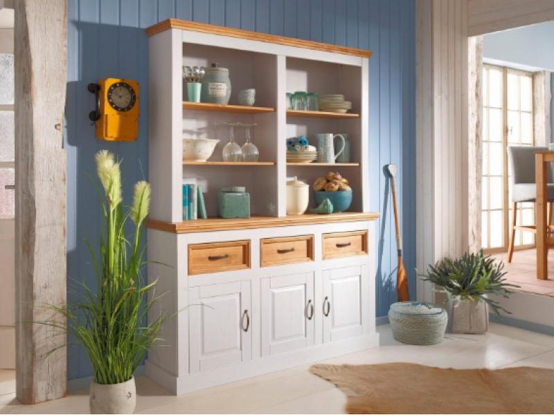 Como combinar móveis de madeira com paredes coloridas