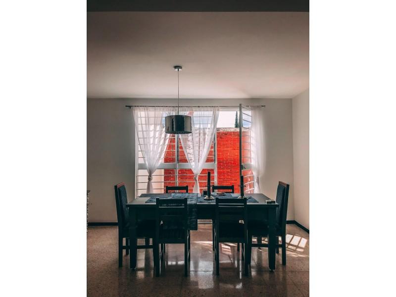Como escolher a cadeira ideal para o sua sala de jantar