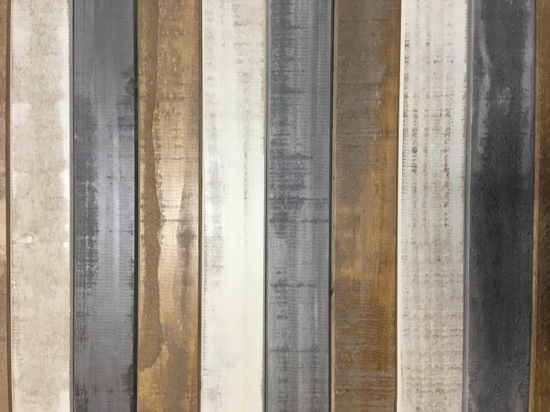 Conjunto com 1 mesa alta de madeira e 4 banquetas alta / Turner