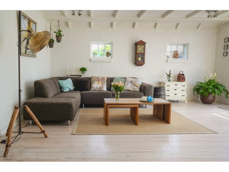 Inspirações para a decoração com móveis de madeira