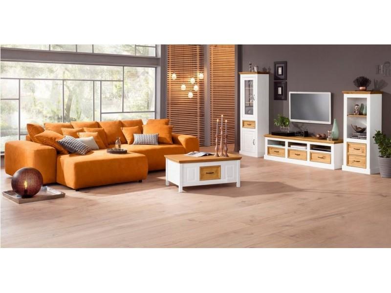 Inspiração com móveis de madeira para sala de estar